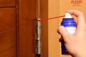 Τρίζει η πόρτα ασφαλείας; Δείτε τι θα πρέπει να κάνετε